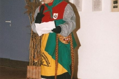 1999 (42)